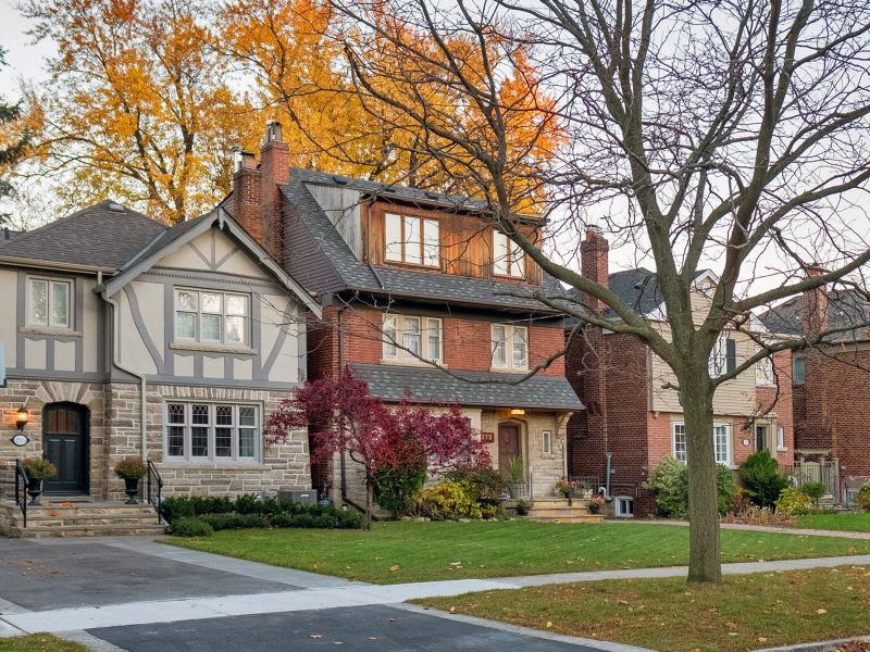 real estate in leaside